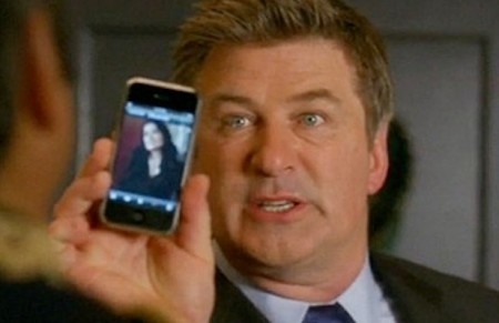 apple-alec-baldwin-iphone-617x400